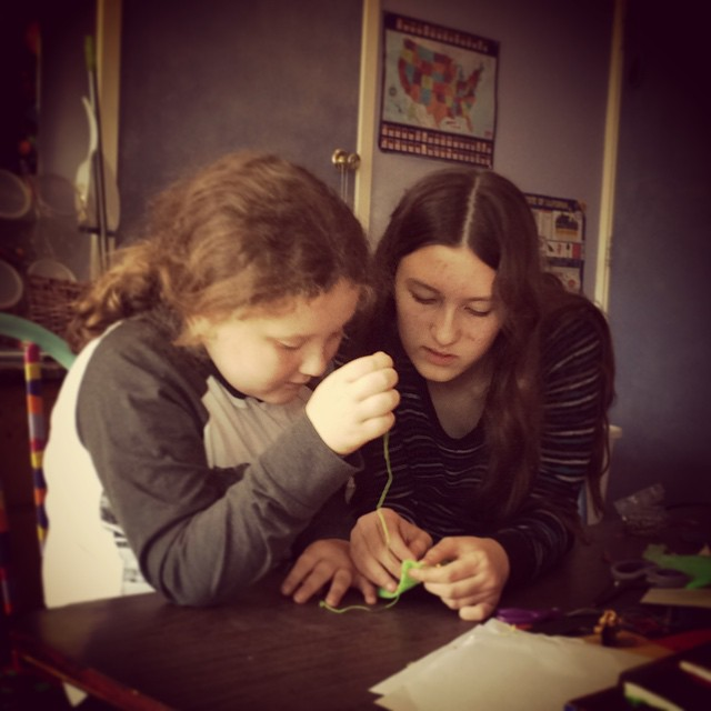 Proof that my kids CAN work together! --Tina #homeschooling